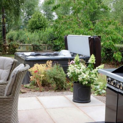 BBQ, Patio and Hot Tub